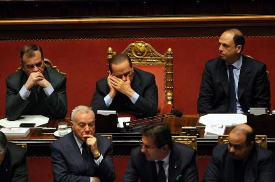 Roma 14-10-2010. Voto di fiducia al Senato.Nella foto. Banco del Governo al Centro Premier Silvio Berlusconi.