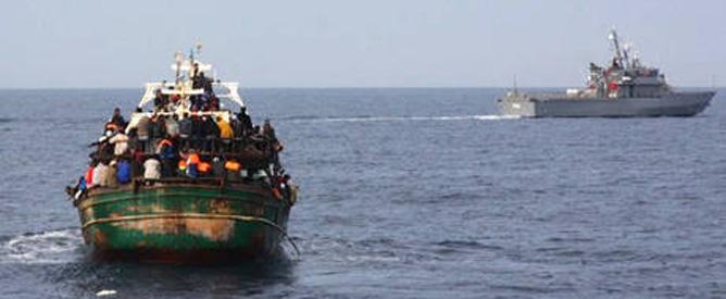 Mettere in salvo i profughi, consentendo loro di rivolgersi agli Stati e non ai trafficanti